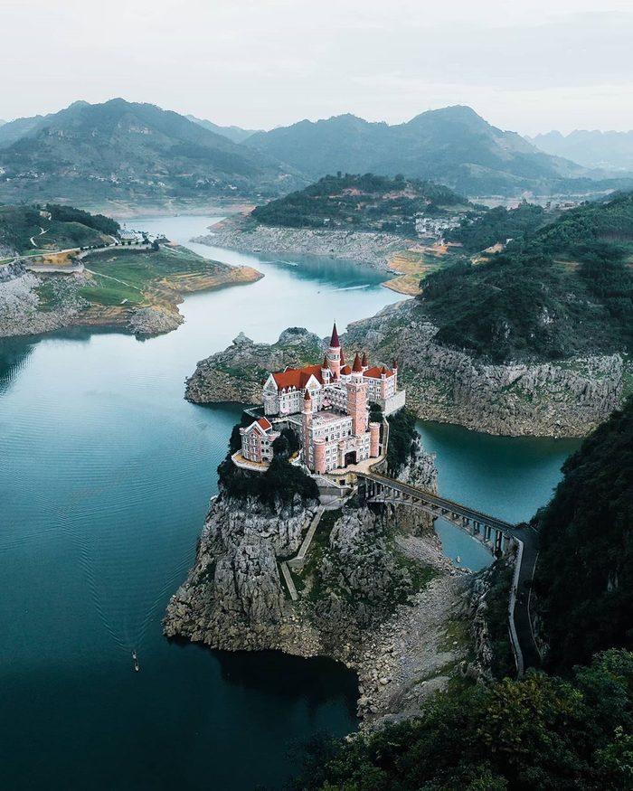 Купить замок на острове жилье в финляндии купить