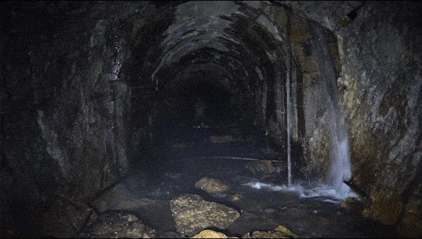 """""""Бесконечный"""" Нашли в зимнем лесу подземный тоннель — шли 3 часа, а он всё не кончался... Заброшенное, Тоннель, Урал, Гифка, Длиннопост"""
