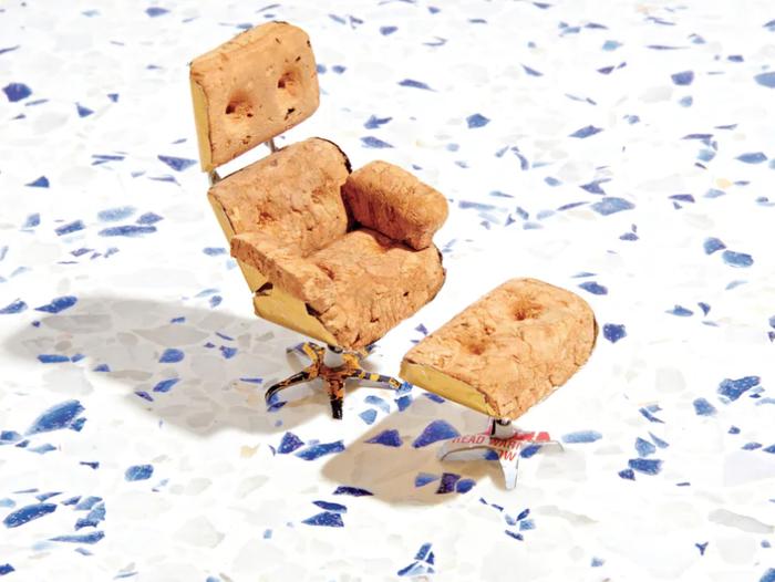 17-й ежегодный конкурс стульев из пробок от шампанского