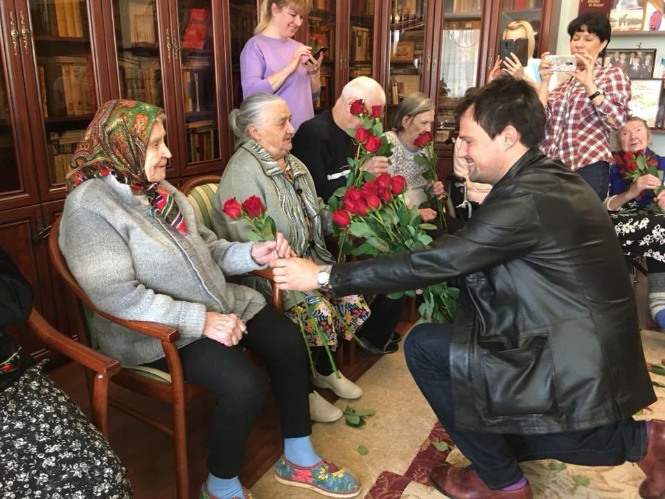 Дом престарелых беляниново упражнения с гантелями дома для пожилых
