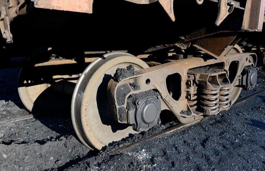 Как возвращают на место сошедший с рельсов поезд