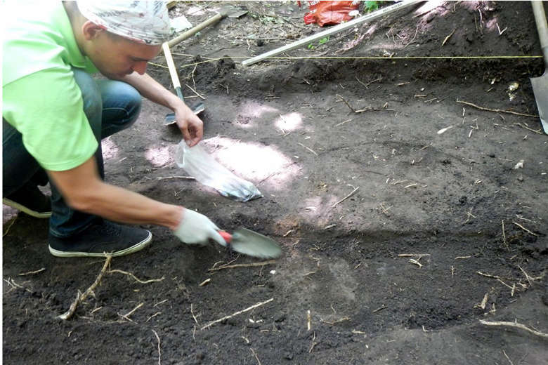 How are the archaeological excavations of finds, minutes, about, glistened, done, Borisov, ancient settlement, land, the end, mainly, is done, the most so that, shovels, all, excavations, excavations, stored, ceramics, refrigerator