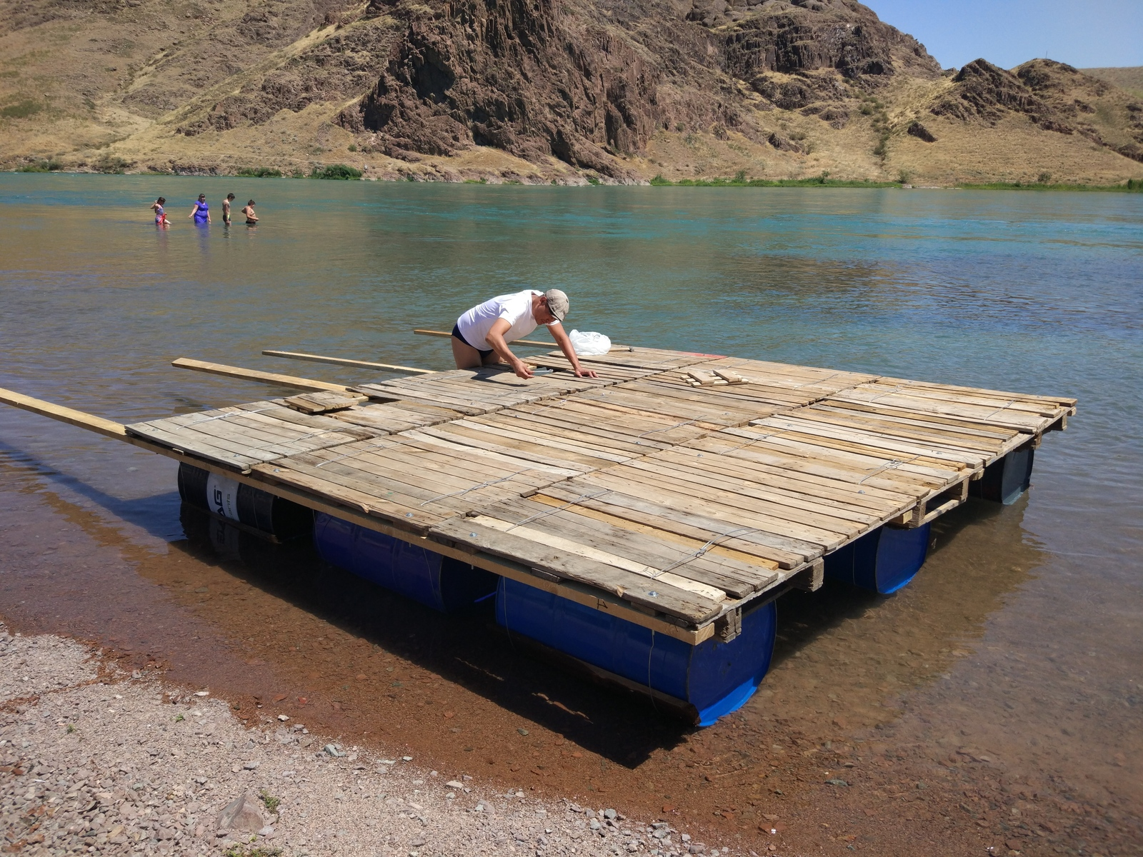 Как сделать плот для сплава по реке