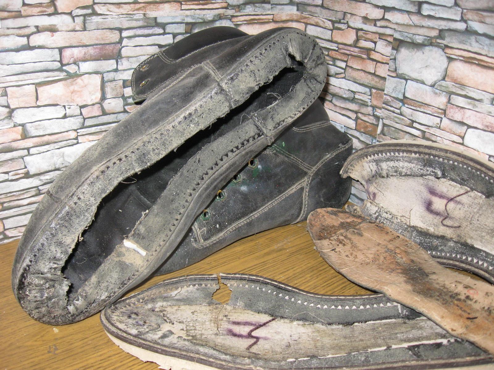 3050c3bfa О целесообразности ремонта. Непорядки с подошвой. Ремонт обуви,  Целесообразность, Замена подошвы,