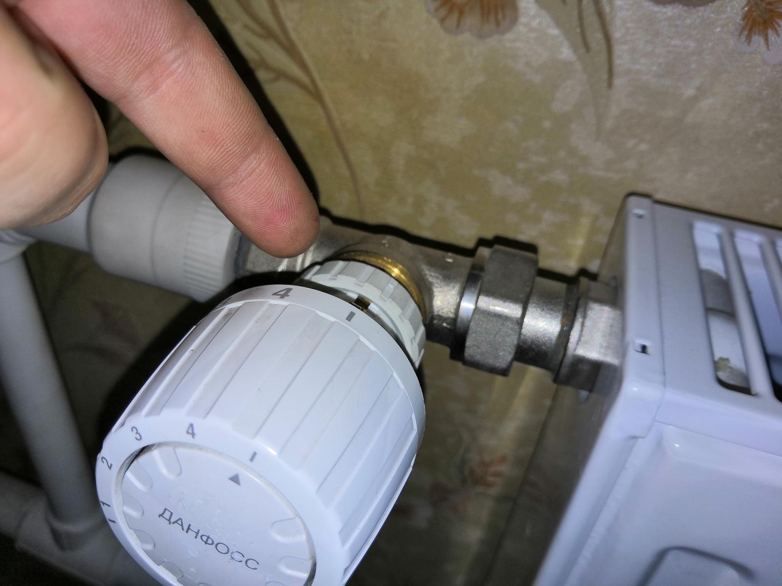Замена регулятора на батарее отопления