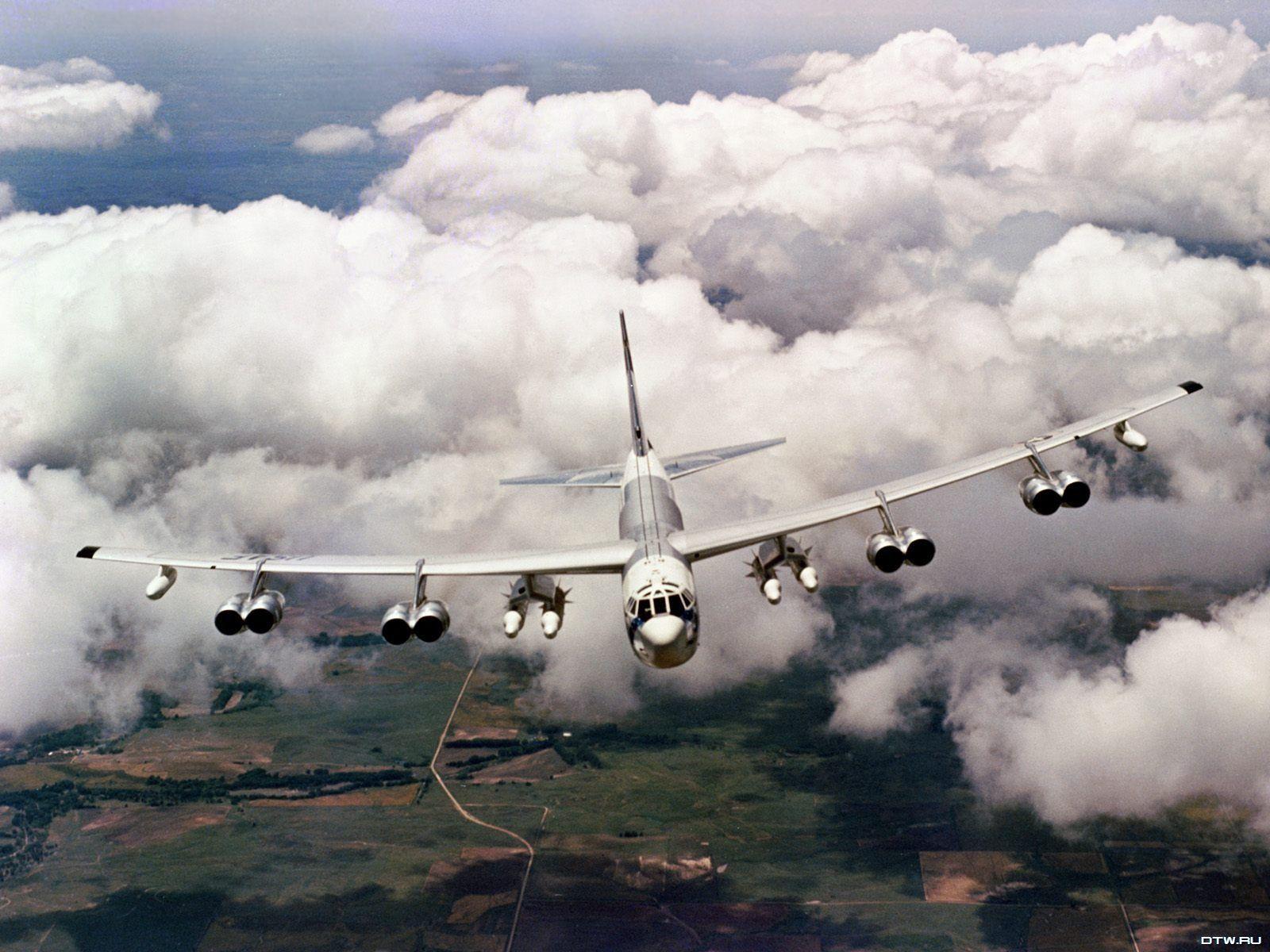 Обои самолеты, Облака, истребители, учения, побережье. Авиация foto 18